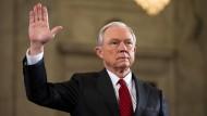 Rechtsaußen Jeff Sessions als Justizminister bestätigt