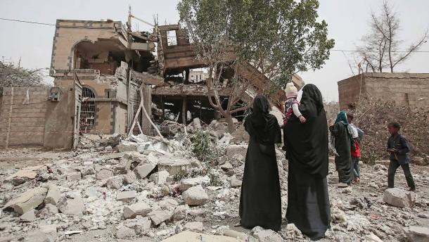 Dutzende Tote bei Luftangriff auf Schulbus