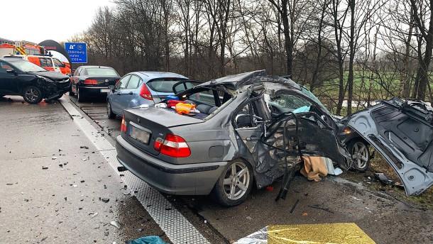Hagelschauer löst Massenkarambolage auf Autobahn aus