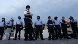 Gouverneur verhängt Ausgangssperre in Ferguson