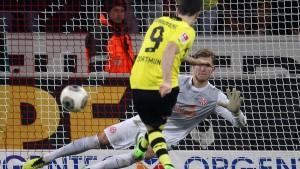 Dortmund braucht zwei Elfmeter