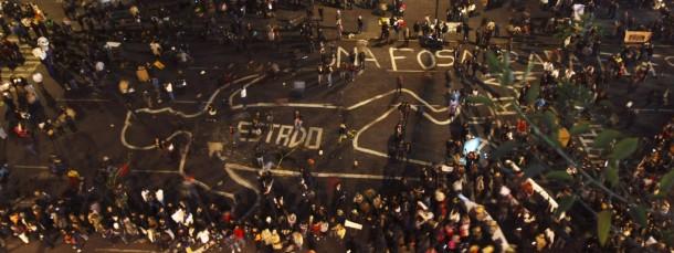 Im Namen der Opfer: Zehntausende demonstrieren am Revolutionstag in Mexiko-Stadt gegen die Verschleppung von 43 Studenten und die Unterwanderung des Staates durch Kriminelle.