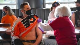Patientenschützer fordern Strafen für Tausende Impfvordrängler