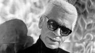 Karl Lagerfeld 2001 in Paris