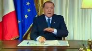 Berlusconi weist jede Schuld von sich