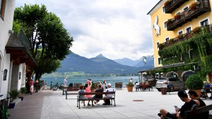 Personalnot dämpft Öffnungsfreude in Österreich
