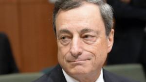 EZB hält Leitzins auf Rekordtief