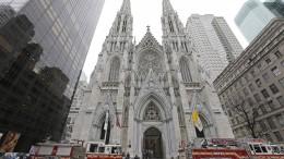 Mann mit Benzinkanistern an New Yorker Kathedrale gefasst