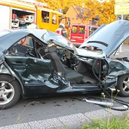 Das Fahrzeug des Unfallverursachers war mit einem LkW zusammengeprallt.