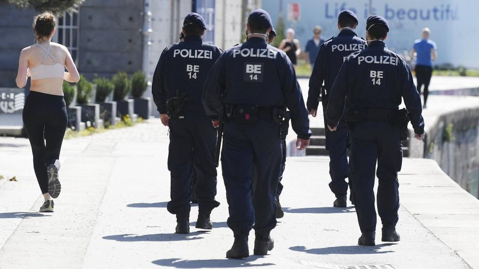 Unter den Augen der Polizei: Auch in Wien darf gejoggt werden.