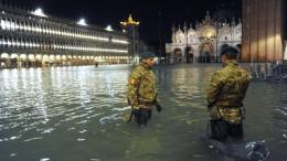 Hochwasser in Venedig erreicht Rekordwert
