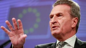 Oettinger kritisiert Proteste gegen Urheberrechtsreform
