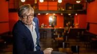 Fast allein: Mathias Tretter im Stalburg Theater, wo er vor 15 Zuschauern sein neues Kabarettprogramm getestet hat.