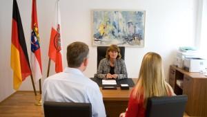 Einbürgerungen in Hessen deutlich rückläufig