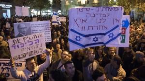 Israelische Demonstranten fordern Netanjahus Rücktritt