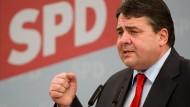 """""""Das hatte Karnevalistenqualität."""" Sigmar Gabriel auf dem Politischen Aschermittwoch der SPD in Vilshofen über die Suche nach einem Nachfolger für Christian Wulff."""
