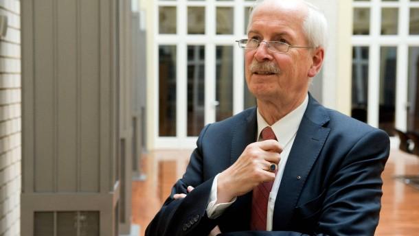 Harald Range - Der Generalbundesanwalt stellt sich in den Berliner F.A.Z. Redaktionsräumen Fragen von Markus Wehner.