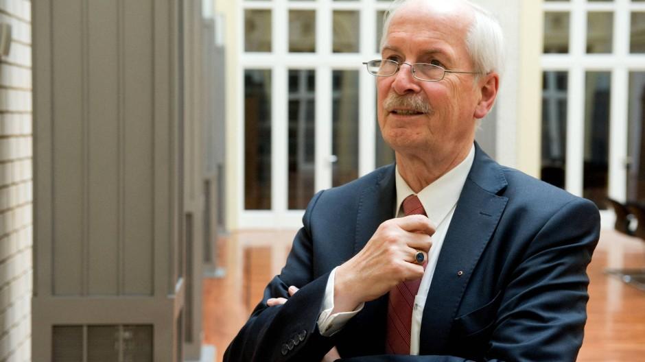 """""""In einer rechtlichen Grauzone"""": Harald Range fordert mehr Initiativrechte für die Bundesanwaltschaft"""
