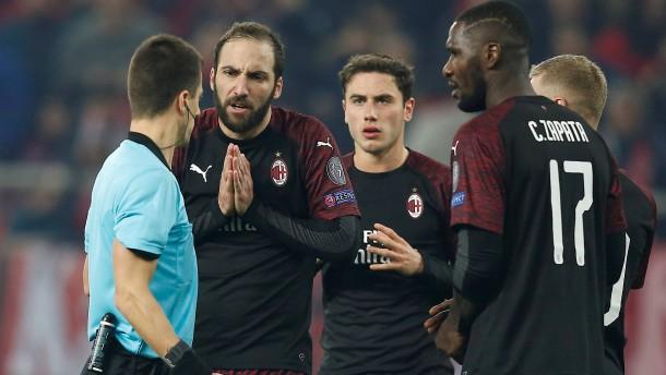 Milan verpasst K.o.-Runde nach Pleite in Piräus