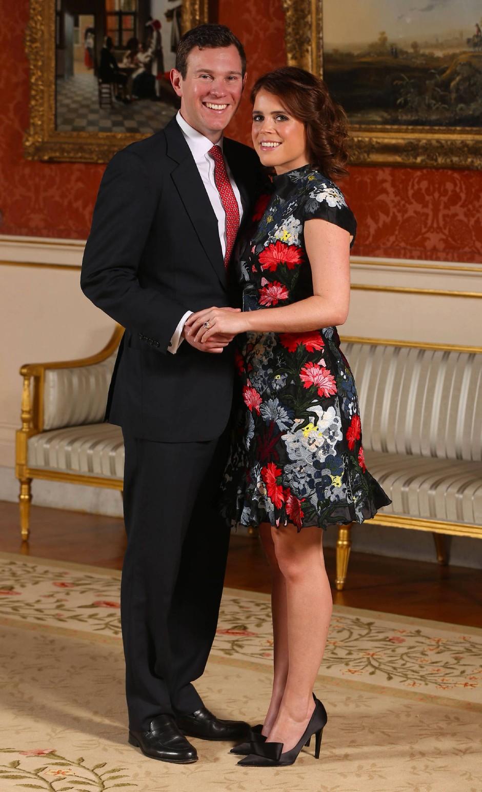 Meister der Abendroben: Die Kleider von Erdem schätzen auch die Frauen im britischen Königshaus, zum Beispiel Prinzessin Eugenie, die im Januar in einem Modell des Designers ihre Verlobung bekanntgab.