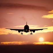 Ankunft: Ein Flugzeug landet – solche Szenen mehren sich auch auf dem Frankfurter Flughafen wieder