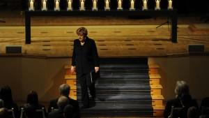 Merkel: Sie stehen nicht länger allein mit Ihrer Trauer