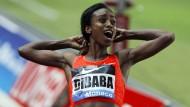 Sie kann es nicht fassen: Genzebe Dibaba nach ihrem Weltrekordlauf