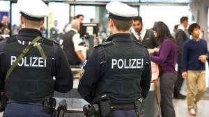 Sieben Festnahmen am Frankfurter Flughafen