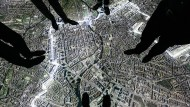 """Blick in die Ausstellung """"Stasi in Berlin"""", die auf einer 170 Quadratmeter großen Satelliten-Karte die Orte in Berlin zeigt, in denen die Geheimpolizei aktiv war."""