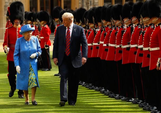 Die Queen empfängt Präsident Trump und First Lady Melania