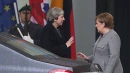 May trifft Merkel in Berlin