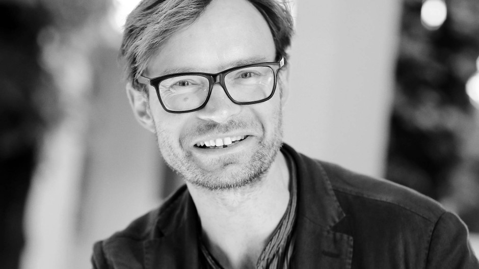 """Thomas Huber liest """"Postkarte aus Hadramaut"""" von Jan Röhnert"""