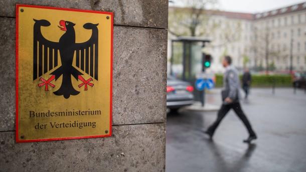 Bundeswehr ermittelt gegen Offizier wegen Likes für rechtsradikale Beiträge
