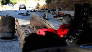 Hunderte Migranten überwinden gewaltsam Grenzzäune