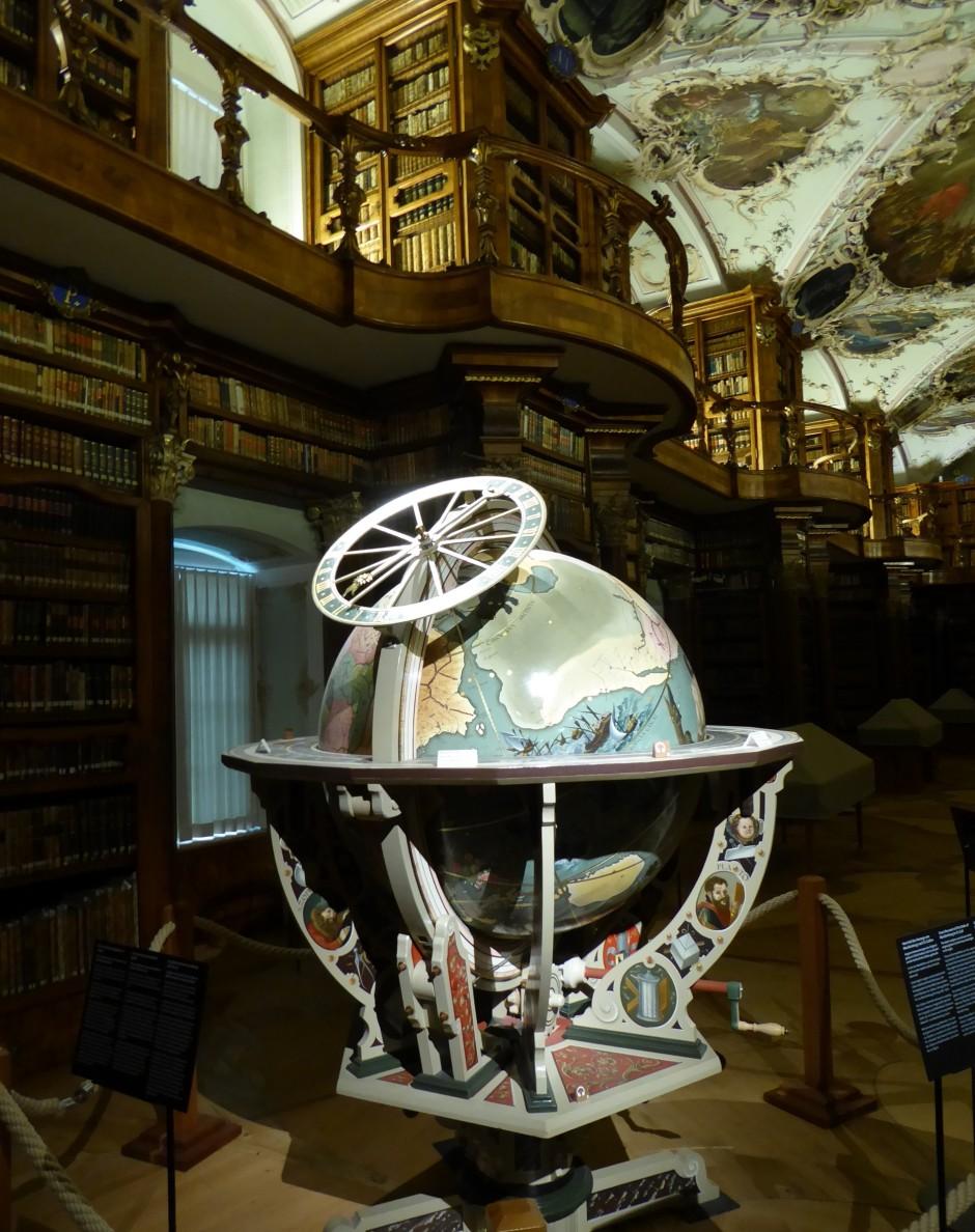Die Globen in der Klosterbibliothek versammelten das gesamte geografische und astronomische Wissen ihrer Zeit.
