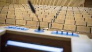 Vortrag vor einem leeren Saal: Damit das nicht passiert, sollte sich der Redner die Kernbotschaft vor dem Vortrag klar machen.