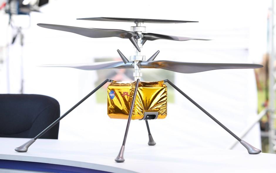 Premiere: Die Nasa wird mit dem Ingenuity-Helikopter zum ersten Mal ein motorisiertes Fluggefährt auf dem Mars testen.