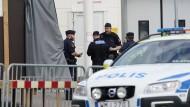 Die schwedische Polizei in Kristianstad riegelte die Tatorte großflächig ab.