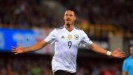 Der siebenmalige Nationalspieler Wagner war über die Stationen MSV Duisburg, Werder Bremen, 1. FC Kaiserslautern, Hertha BSC und Darmstadt 98 zuletzt in Hoffenheim gelandet.