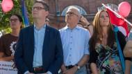 In welche Richtung geht es nach der Hessen-Wahl? Auch die Spitzenkandidaten von SPD, Grünen und Linke schauen gespannt auf die neusten Umfragewerte.
