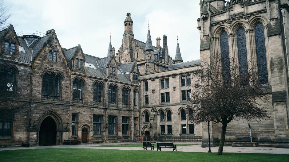 Der Vorfall an der Universität Glasgow hat in der Wissenschaftsgemeinde in Großbritannien und Amerika eine neue Debatte über Zensur an Hochschulen angefacht.