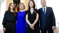 Gauck ehrt Frauen am Weltfrauentag