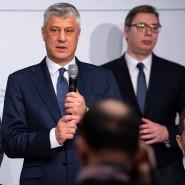 Der amerikanische Botschafter Richard Grenell, Hashim Thaci, Präsident der Republik Kosovo, und der serbische Präsident Aleksandar Vucic in München