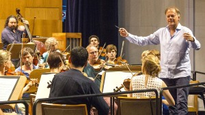 Chefdirigent Hengelbrock verlässt Elbphilharmonie früher