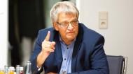 """""""Die Sicherheitslage im öffentlichen Raum hängt nicht allein von den Flüchtlingen ab"""", sagt der innenpolitische Sprecher der grünen Landtagsfraktion, Hans-Ulrich Sckerl."""