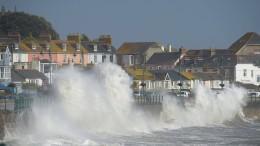 "Ex-Hurrikan ""Ophelia"" fordert Todesopfer"
