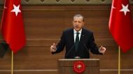 Erdogan verkündet Neuwahlen für den 1. November