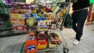 Schweizer genießen den günstigen Einkauf
