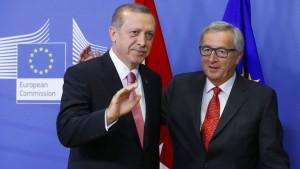 Juncker gibt sich unbeeindruckt von Erdogan-Drohungen