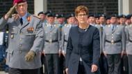 Hat sich zum Zwei-Prozent-Ziel der Nato-Staaten bekannt: Annegret Kramp-Karrenbauer